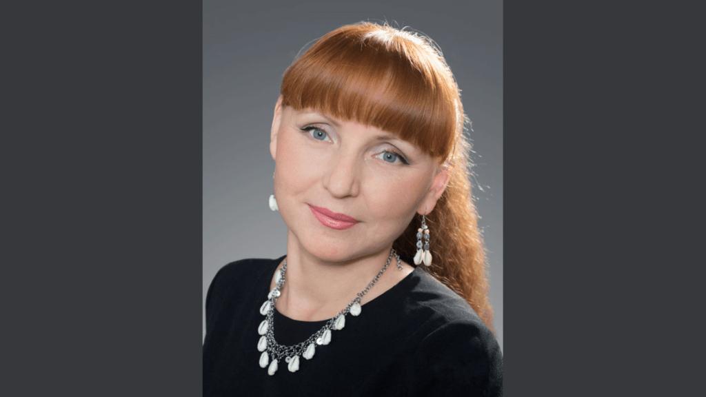 Светлана Сандакова калык артист
